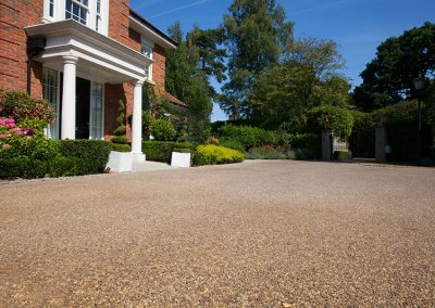 resin_bound_driveway_kingswood_surrey_01-after-1