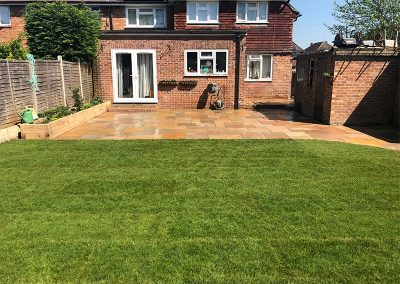 Indian_sandstone_patio_Leatherhead_1